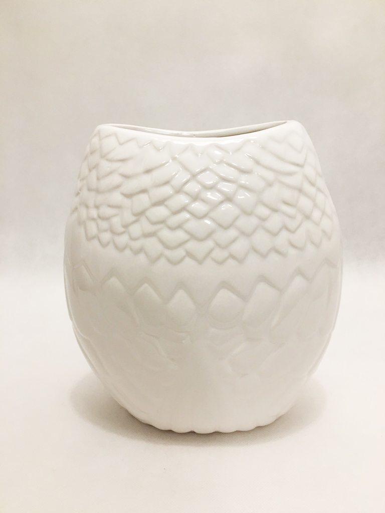 White Porcelain Owl Vase 2