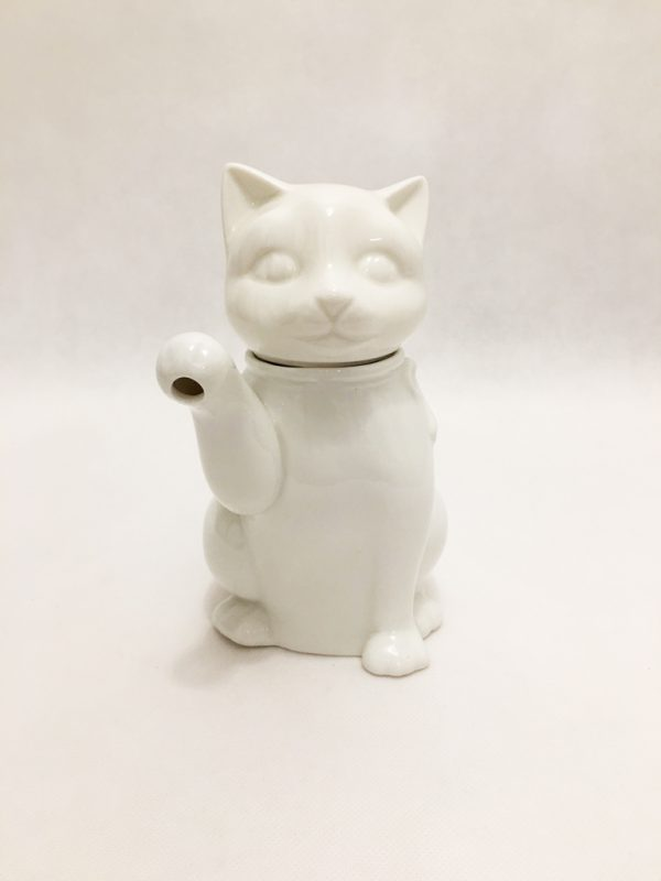 White Porcelain Cat Teapot